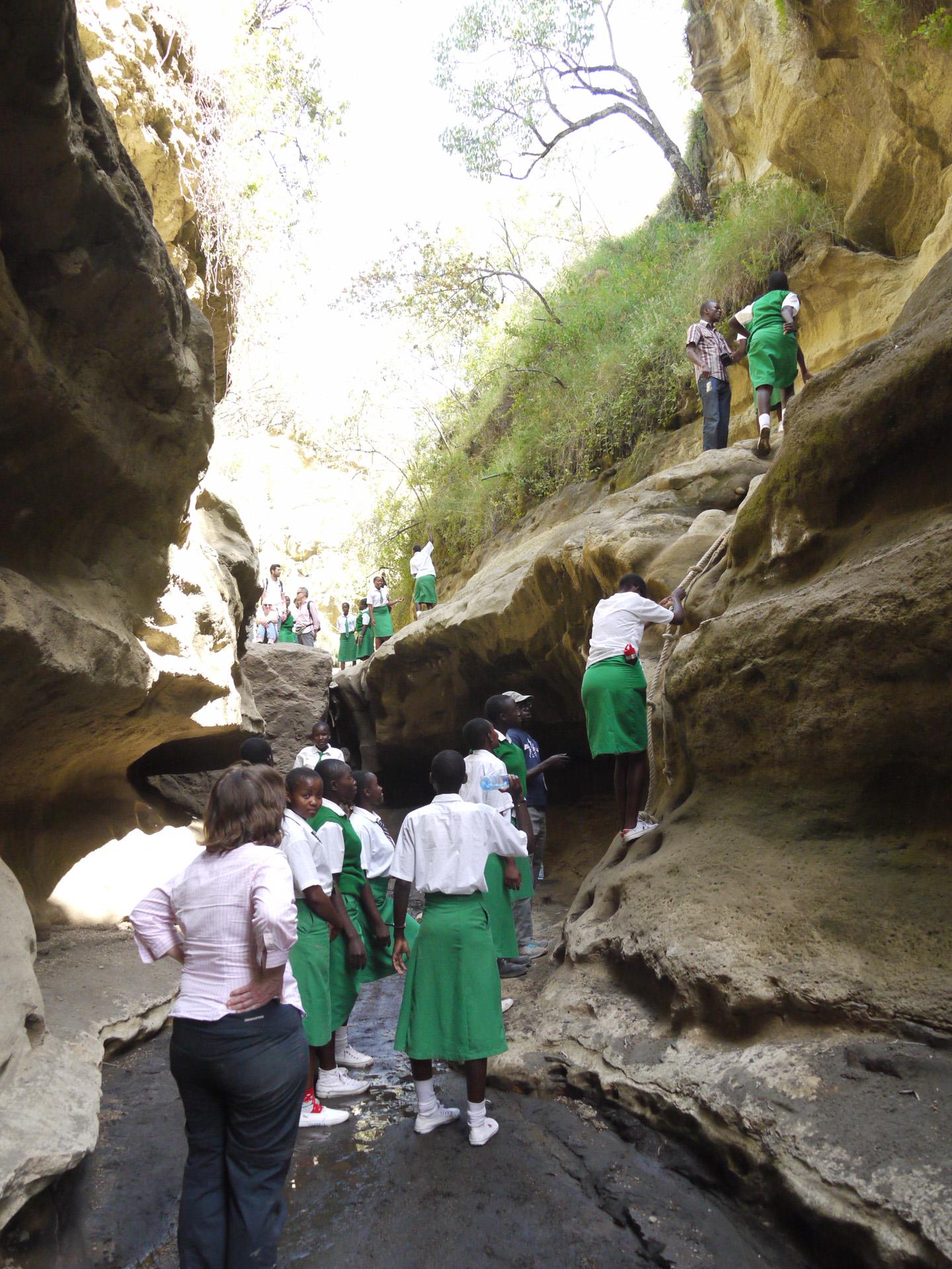 schoolchildren Hells Gate